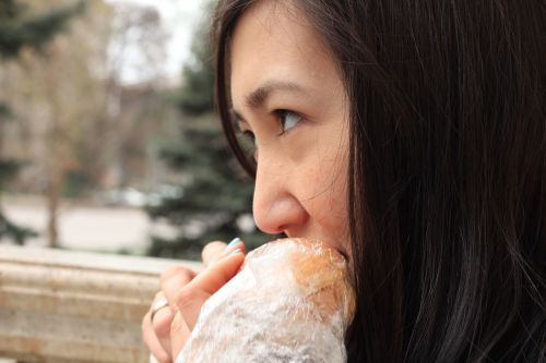 eating girl food