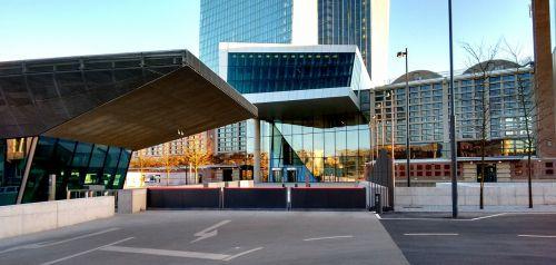 ecb įėjimas,ecb,bankas,euras,dangoraižis,Frankfurtas,Europos centrinis bankas,centrinis bankas,pinigai,valiuta,Europa,finansai,mainhatten,Hesse,pastatas,banko pastatas,fasadas,ostend,architektūra,galia