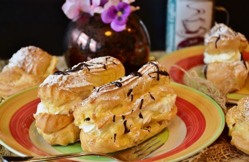 eclairs pastries choux pastry