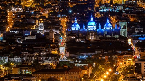 ecuador  cuenca  night photograph