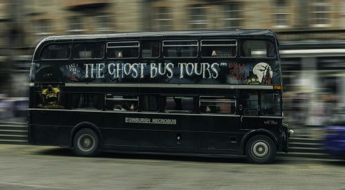 edinburgh lawnmarket bus