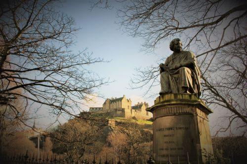 Edinburgh Castle View & Statue