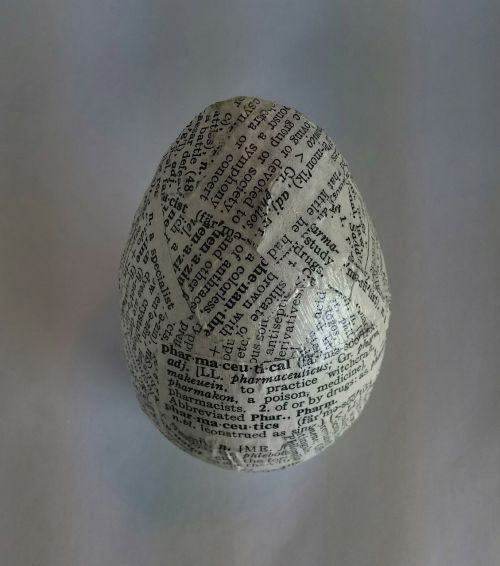 egg text decoupage