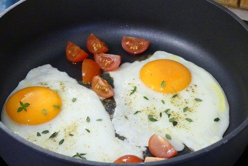 egg  fried  pan