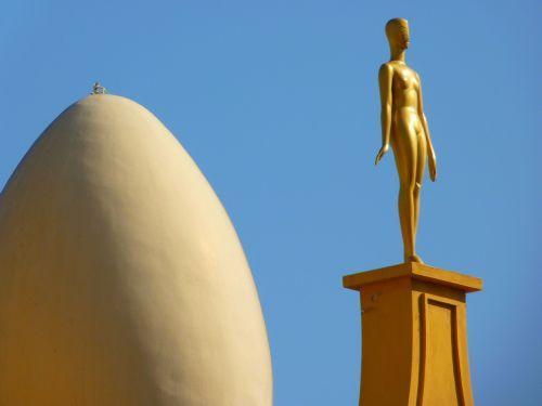 kiaušinis,figūra,muziejus,dalí,figueras,Ispanija,auksinis