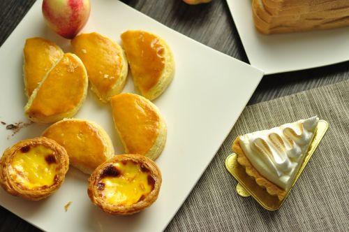 egg tart aspects of the package baking
