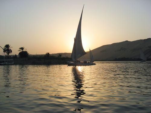 Egiptas,Nile,felucca,saulėlydis