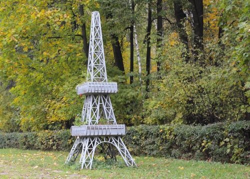 eiffel tower scale