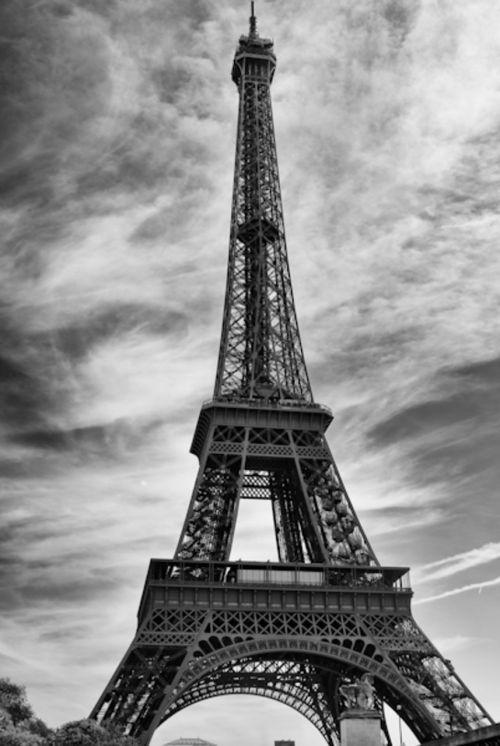 eiffel tower paris landmark