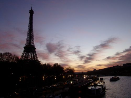 eiffel tower sunset in paris monuments