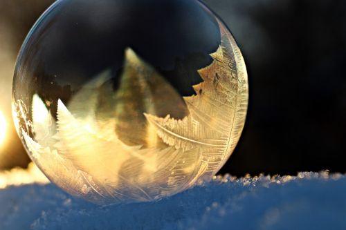eiskristalle soap bubble frost