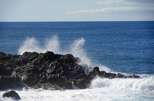 el golfo lanzarote atlantic