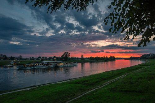 elbe river atmospheric