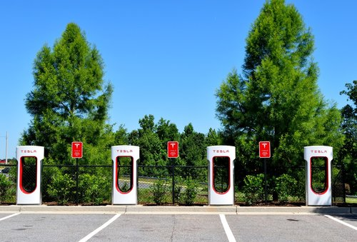 electirc car  hybrid  charging center