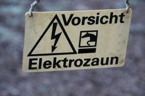 electric fence shield warnschild