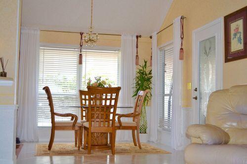 elegantiškas kambarys,dizainas,flo,interjeras,baldai,prabanga,gyvenimas,modernus interjeras,prabangus interjeras,stalas,namų dizainas,jaukus,namas,prabangus namų interjeras