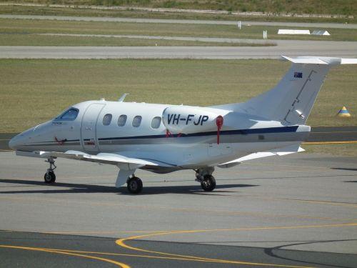 embraer emb-500 executive