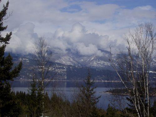 emerald lake whistler mountains