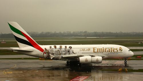 emirates,a380,aircraft,aviation,airbus,airport,airliner,passenger aircraft,fly,travel,tourism,air traffic,jet,airline travel,travel plane,flyer,turbine