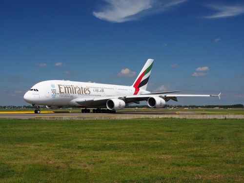 emirates airbus a380 aircraft
