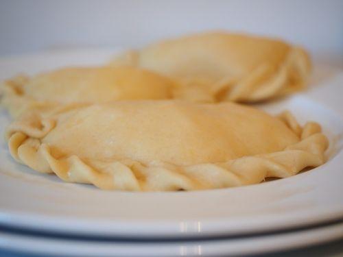 empanadas dumplings food