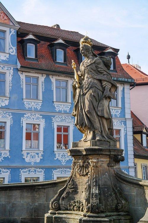 empress kunigunde  woman image  monument