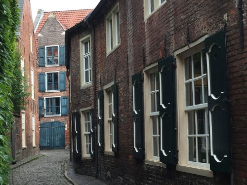 empty old town old town lane