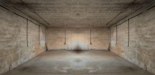 tuščia, paliktas, sandėlis, architektūra, dėžė, gamykla, gylis, kateriai, uždaryta, fonas, tapetai, cementas, laidai, žibintai, viduje, veidrodis, tamsi, simetriškas, be honoraro mokesčio