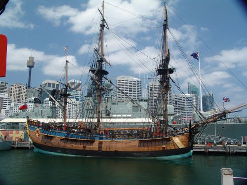 endeavour captain cook ship