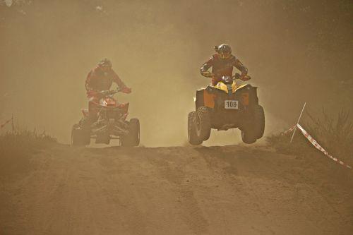 enduro,smėlis,dulkės,kirsti,Quad race,ATV,quad,motokroso,motokroso važiavimas,motociklas,motociklų sportas,motorsportas,lenktynės,lenktynės