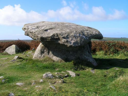 england megalith here the dolmen