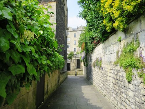 england bath in england alley