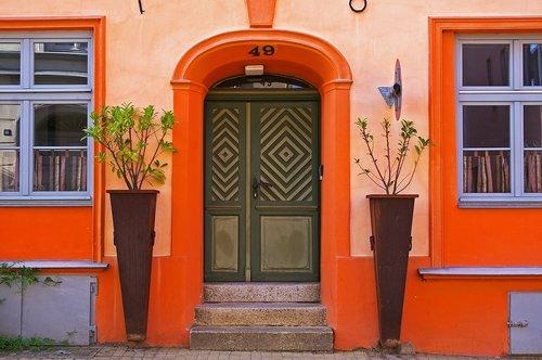 entrance door  historic center  stralsund
