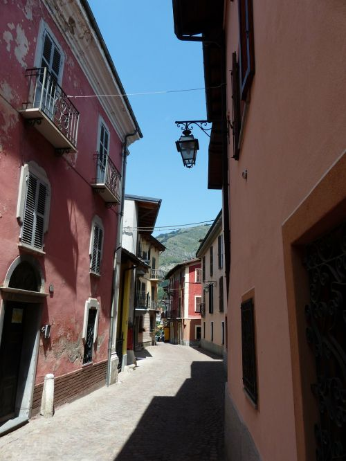 entraque road alley