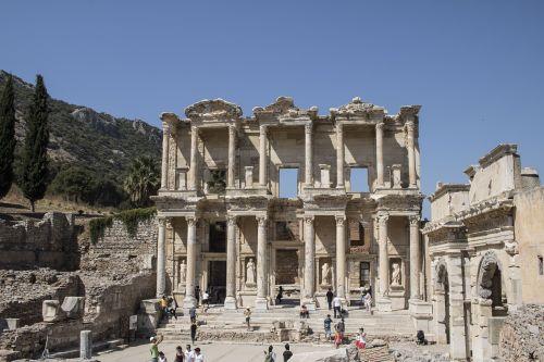 ephesus tourism summer