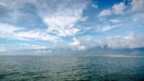 erhai lake,blue sky,white cloud