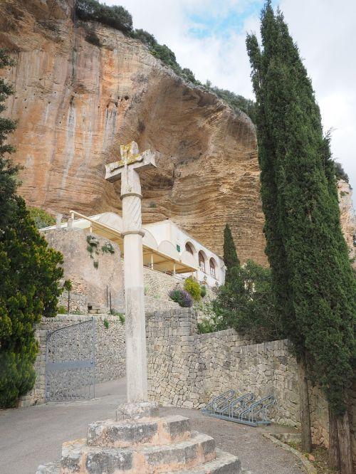 santuari de gràcia monastery cross