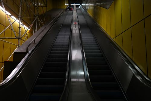 escalator long stairs