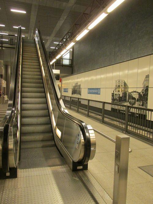 escalator stairs gradually