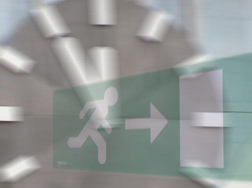 escape route clock escape