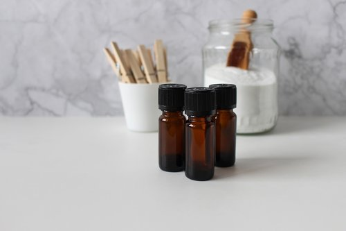 essential oils  wash  wood clamp