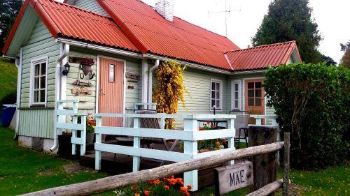estonia house countryside