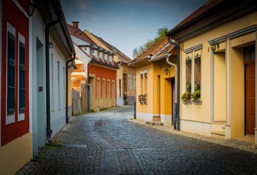 esztergom street alley