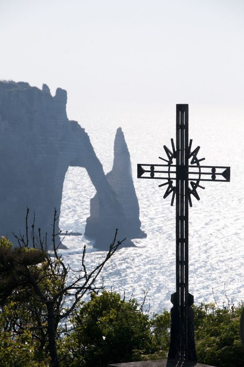 etretat hollow needle cross