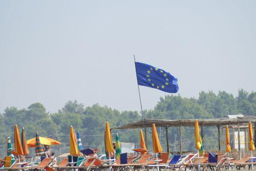 europietis,vėliava,in,albania