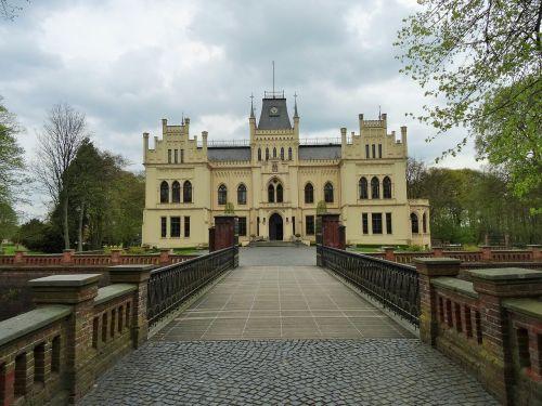 evenburg leer castle