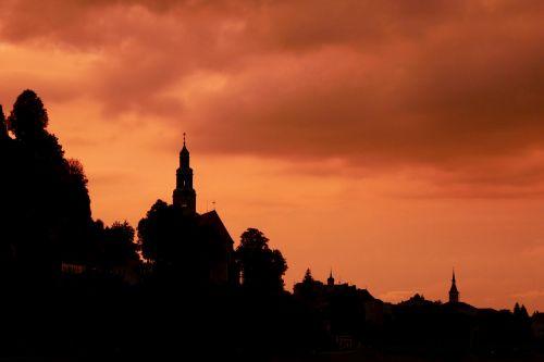 vakaras,afterglow,bažnyčia,abendstimmung,siluetas,debesys,nuotaika,dusk,šviesa,salzburg,švytėjimas,atmosfera,romantiškas,romantika,vaizdingas,šviesus,griauna