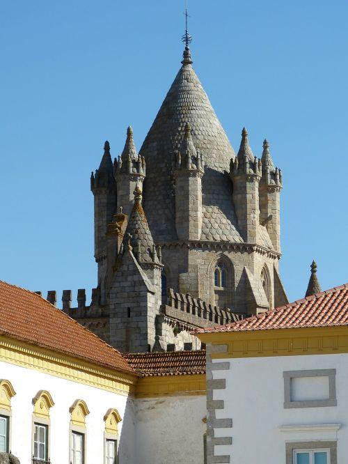 evora portugal architecture