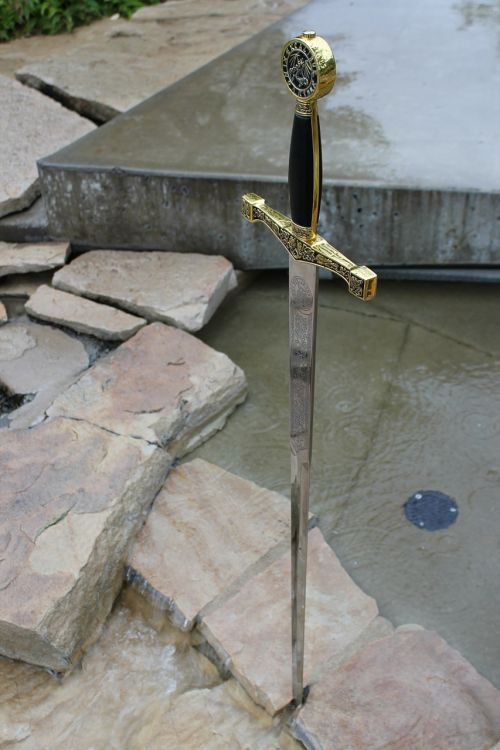 excalibur sword caliburn