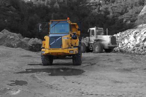 excavators yellow site